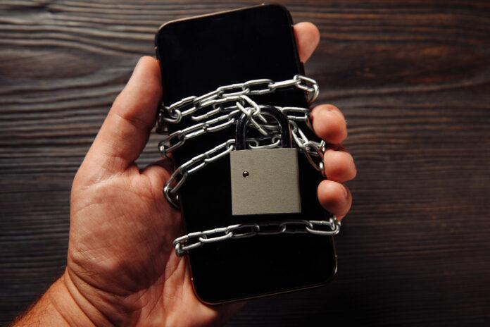 Smartfon Android zabezpieczony